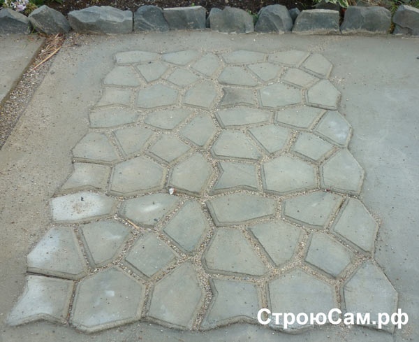 Декоративная дорожка из бетона